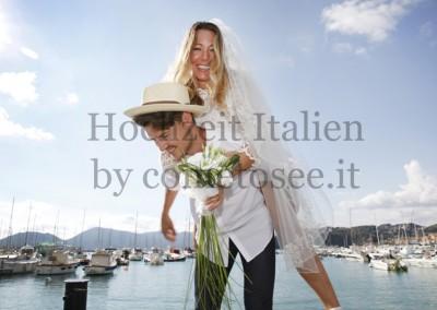 Brautppar nach symbolischer Hochzeit in Lerici