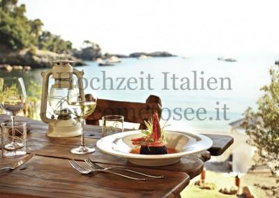 Restaurant am Strand in Italien - perfekt für Hochzeiten im kleinen Kreise